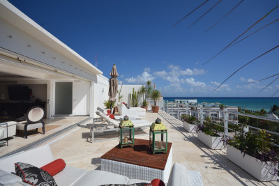 LUXURIOUS 4 BEDROOM PENTHOUSE WITH INCREDIBLE OCEAN VIEW