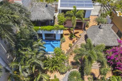 Ola Brisa Gardens, Colinas de Santiago, Manzanillo