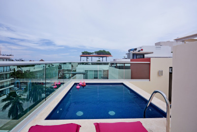 AWESOME UPGRADED APARTMENT STEPS AWAY FROM THE BEACH