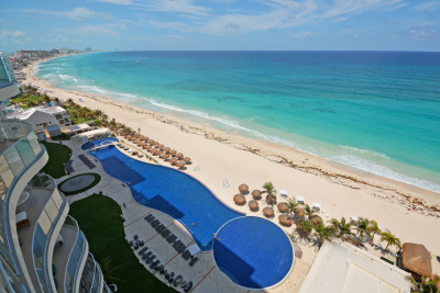 LUXURY BEACHFRONT APARTMENT SURROUNDED BY THE BEST VIEWS